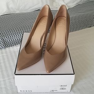 Guess Taupe Patent Leather Pumps